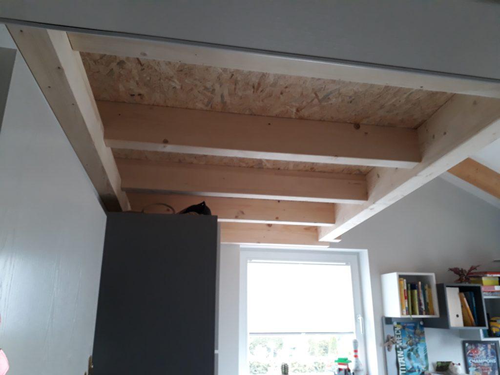 Einbau eines Schlafbodens mit Raumspartreppe in ein Kinderzimmer